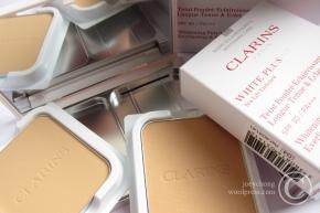 Clarins White Plus   HP Whitening Powder Foundation SPF 30 /PA+++