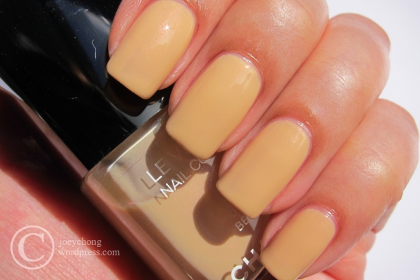 Chanel Le Vernis In 565 Beige