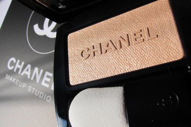 Chanel Poudre Lumière Nacrée Shimmer Glow Powder - 1