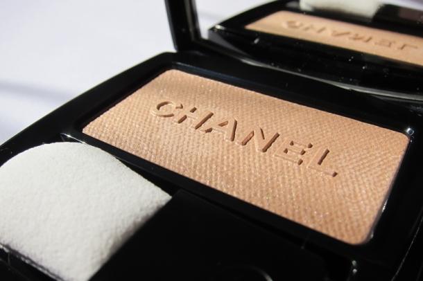 Chanel Poudre Lumière Nacrée Shimmer Glow Powder - 3