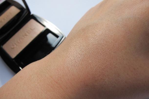Chanel Poudre Lumière Nacrée Shimmer Glow Powder - 4