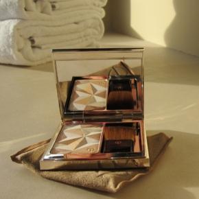 Clé de Peau BEAUTÉ Luminizing Face Enhancer In №12