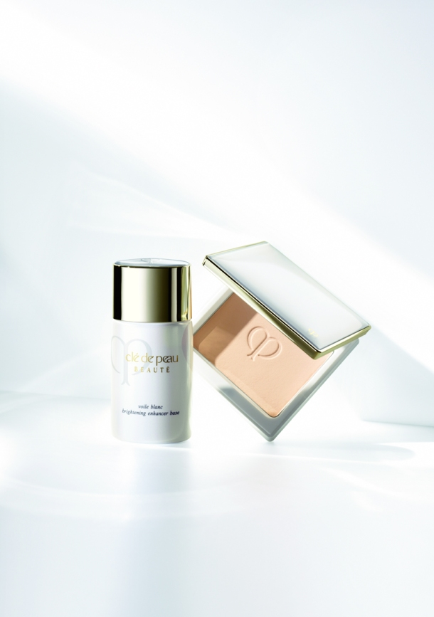 Clé de Peau BEAUTÉ Brightening Enhancer Base & Powder Foundation (3)