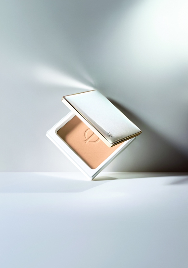 Clé de Peau BEAUTÉ Brightening Enhancer Base & Powder Foundation (5)