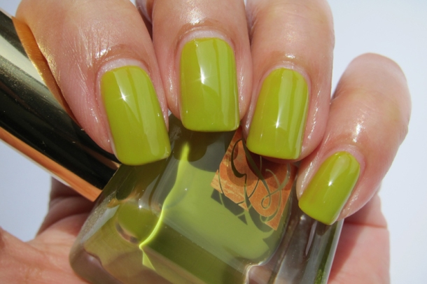 EL Heavy Petals Nail Lacquer Collection - 3 Absinthe