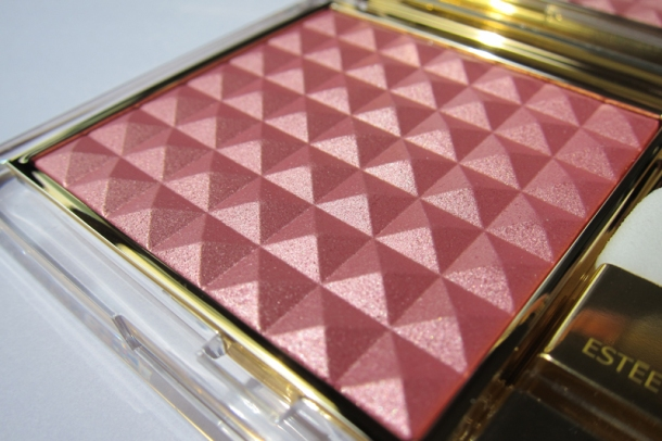 Estée Lauder Pure Color Illuminating Powder Gelée in Tease (1)