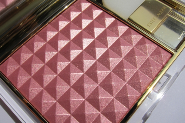 Estée Lauder Pure Color Illuminating Powder Gelée in Tease (2)