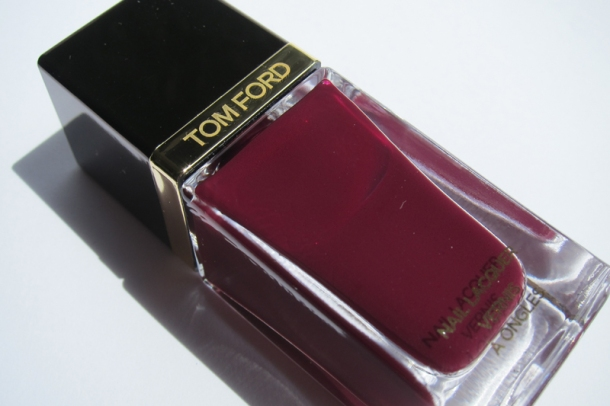 Tom Ford Nail Lacquer In 09 Plum Noir (1)