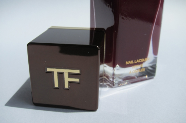Tom Ford Nail Lacquer In 09 Plum Noir (2)