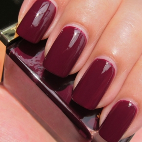 Tom Ford Nail Lacquer In 09 Plum Noir