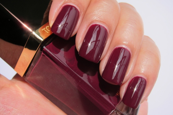 Tom Ford Nail Lacquer In 09 Plum Noir (5)