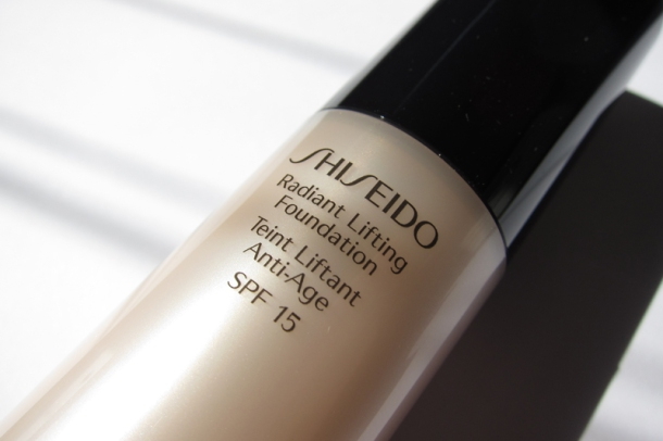 Shiseido Radiant Lifting Foundation (1)