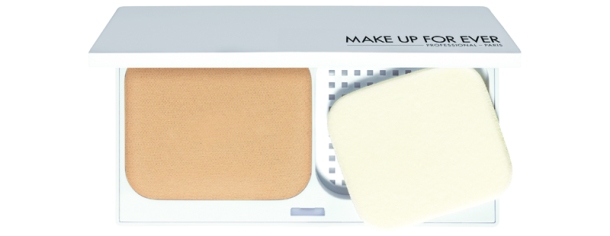 MUFE White Definition Instant Brightening Powder Foundation (3)