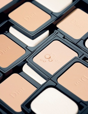 Introducing Diorskin Forever Extreme Control CompactPowder