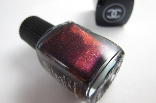 Chanel Le Vernis In 583 Taboo (3)