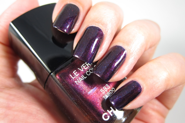 Chanel Le Vernis In 583 Taboo (5)