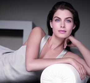 28-Days Firming & Brightening Skincare Regime WithClarins