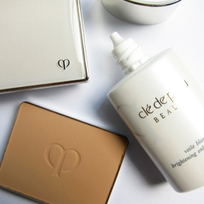 Clé de Peau BEAUTÉ Brightening Enhancer Base & Powder Foundation