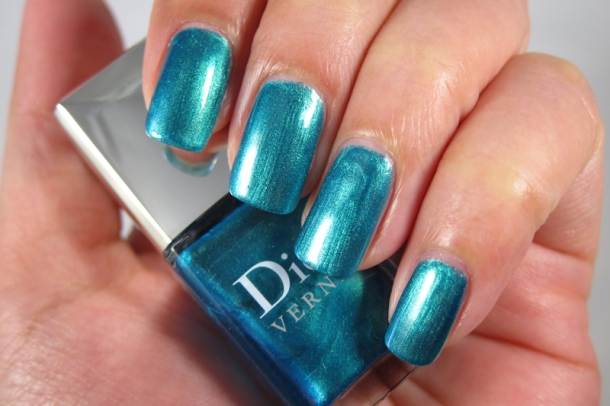 Dior Bird Of Paradise Summer Nail Lacquer Duo For Tips & Toes in 001 Samba (6)