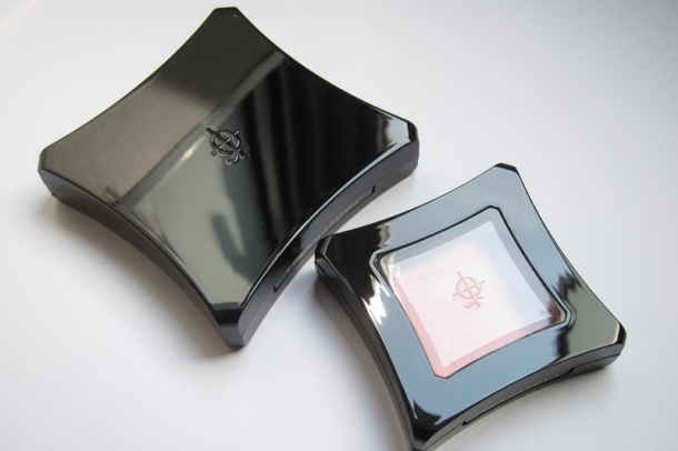 Illamasqua Powder Blush Duo (Lover & Hussy) (5)