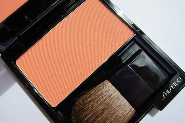Shiseido Luminizing Satin Face Color In OR 308 Starfish (1)