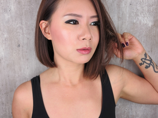 Femme Boulevard_Graphic Liner Editorial Look (1)